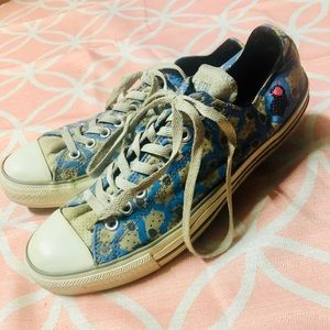 Sheep pattern converse